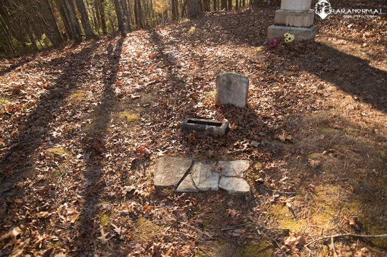 broken-headstone